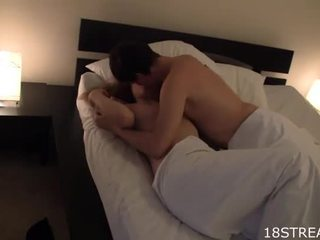 क्यूट गर्ल kisses