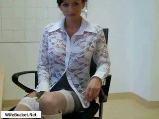 Fierbinte mama inpulit în birou video