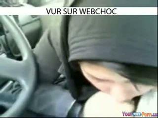 Arab Hijab Girl Sucking Dick In Car In...