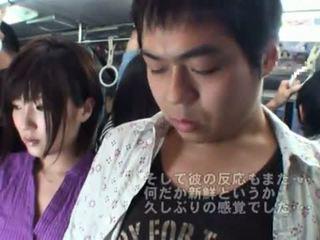 Veřejné bj onto the autobus kolem horký japonská máma jsem rád šoustat.