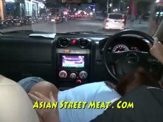 Manilla sweetie sells seks në rrugë <span class=duration>- 12 min</span>