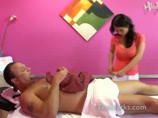 Азіатська краля масаж для мінет для extra готівка