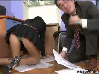 เป็นร่วมเพศ, นักเรียน, เพศไม่ยอมใครง่ายๆ