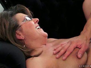 Jong guy fucks heet grootmoeder