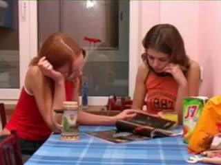 brunetta, dilettante, teenager