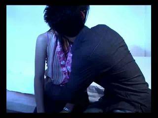 Aziatike çift në e tyre i parë seks video