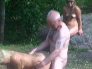 Ulf larsen & tenåringer i park