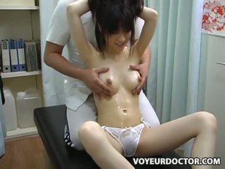 Násťročné climax breast masáž 2