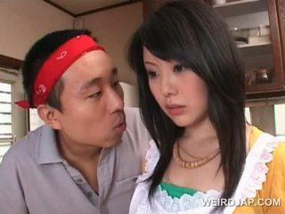 Asiatisch housekeeper gets sexy assets teased von rallig guy