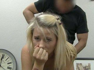 Ania taking na twarz wytrysk