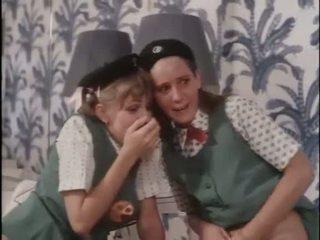 Tyttö scouts oppia noin seksi
