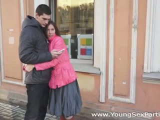 Mladý sex parties: ruské amateurs štvorka súložiť