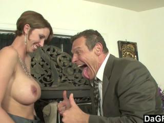 Barmfager sekretær kåt til noen austrian kuk