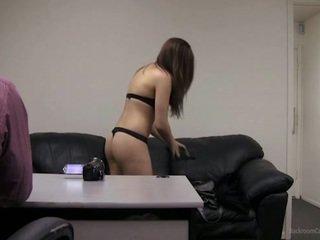 Kan ik nemen mijn clothes af?