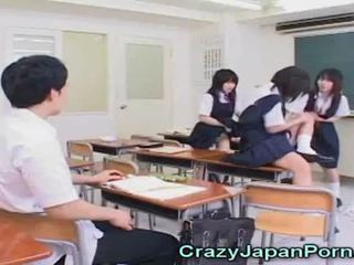 مجنون اليابانية في سن المراهقة الاباحية!