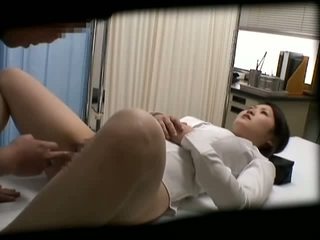 Spycam 女學生 misused 由 醫生 2