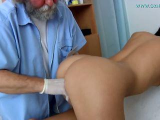 Ukol sa medisina examination by a curious doktor.