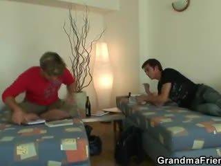 Two buddies qij duke pastruar gjysh