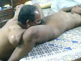 Πακιστανικό σύζυγος πατήσαμε σκληρά