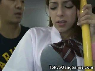 白 ティーン 公共 バス セックス で 日本!