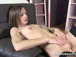 Xara uses um fodas em dela labia