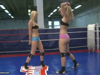 Sophie moone con lusty nena having un cat lucha