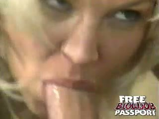 Sweety blonde nana dru berrymore gives pipe à une heureux