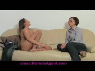 distracție brunetă, verifica lesbiană
