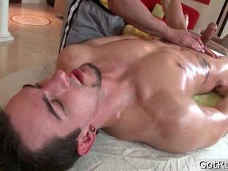 Garanhão receives sua o maior pierced cockk massaged