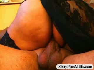 Bagnato matura fica pounding
