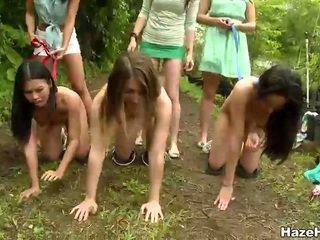 Huono tytöt had a painissa kilpailuun