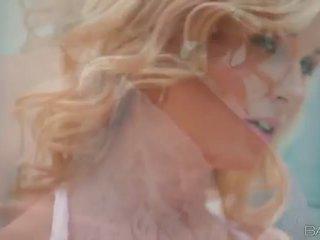 Blond babe laura krystall masturbates