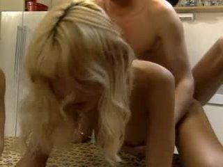 Anita berambut pirang - klip 1 (junge korper zarte kitzler)