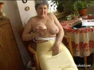 おばあちゃん 大きい ティッツ ビデオ