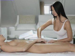 Lesbid seks koos silvie ja addison