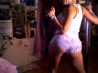 Aisha Can Dance