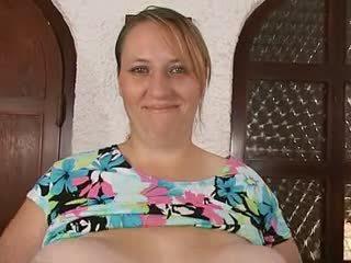 媽媽 & 她的 大規模 巨大 saggy 胸部