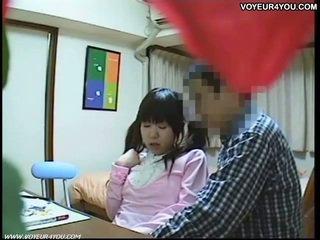 Seks tutorial video në students dhomë