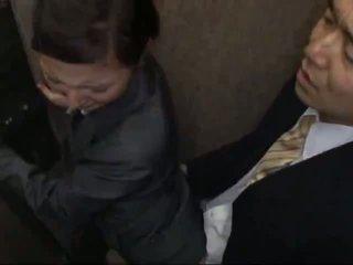 Officelady apgraibytas ir pakliuvom į elevator