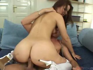 Bonita female veronika simon cocksucking shaft