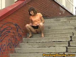 Impressive rjavolaska najstnice shares ji muca s ulica