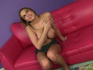 Alanah rae s veľký kozy jiggle počas sex