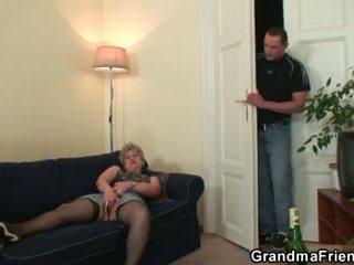Miang/gatal nenek takes two cocks di sekali