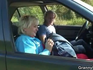 Granny getting pounded sisse the auto