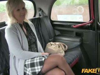 Dewasa amatir seks dengan dia taxi driver