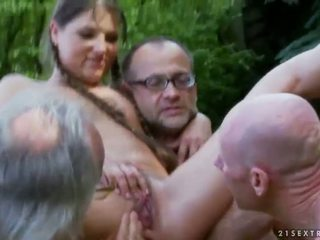 sunporno piss compilation lesbienne