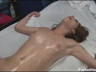 Сладурана 18 година стар азиатки момиче