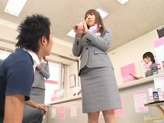Japonesa av modelo rabos apalpada