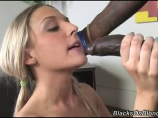 Tristyn kennedy le të darksome dong load të saj donut me spermë