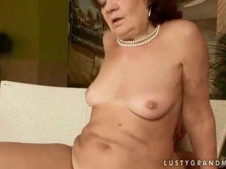 丑 奶奶 getting 性交